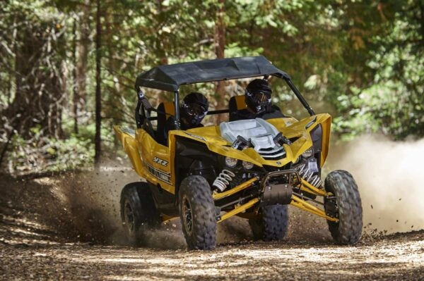 2016 yamaha yxz1000r is a three cylinder supersport sxs video photo gallery 1 scaled